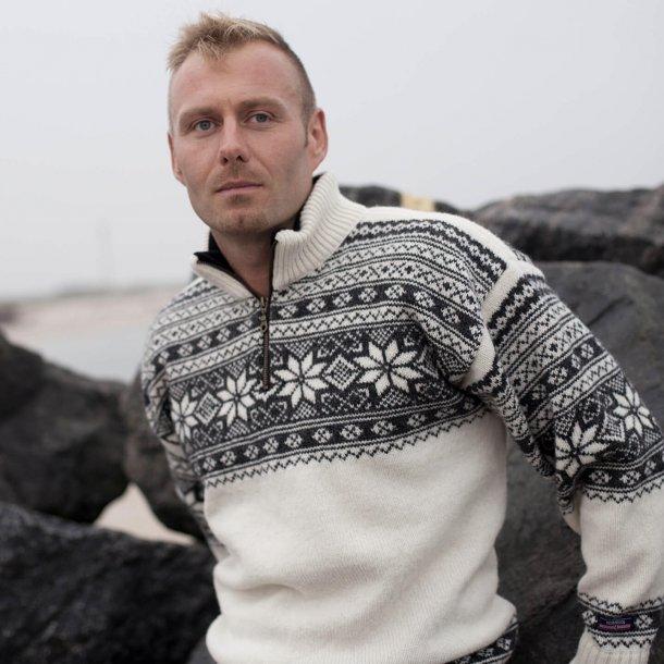 Norsk sweater i Setesdal design & 100% ren ny Uld. (184F-51)