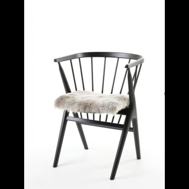 Sædehynde Grå Brisa 40 x 40 cm. Islandsk Fåreskind KORTHÅRET